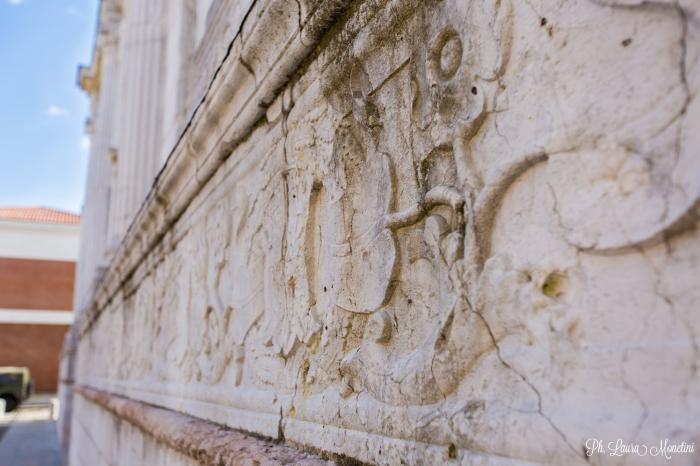 rimini-tempio-malatstiano-fregio