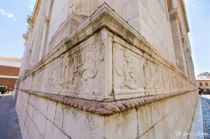 tempio-malatestiano-rimini-fregio